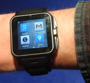 PEAR_Smartwatch_1