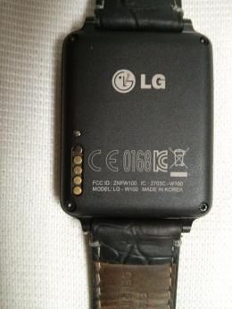 LG_G_Watch_Korrosion_Ladekontakte